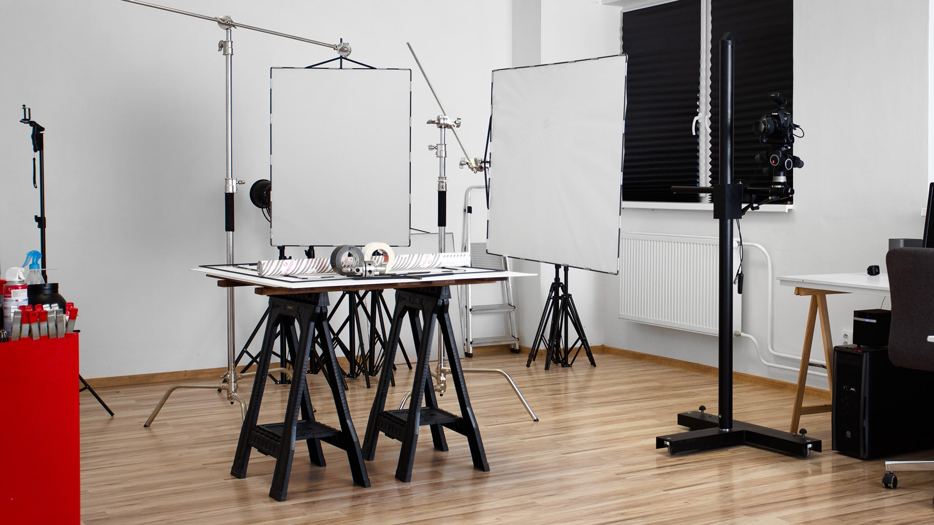 DIY diffusion panels for still life photography