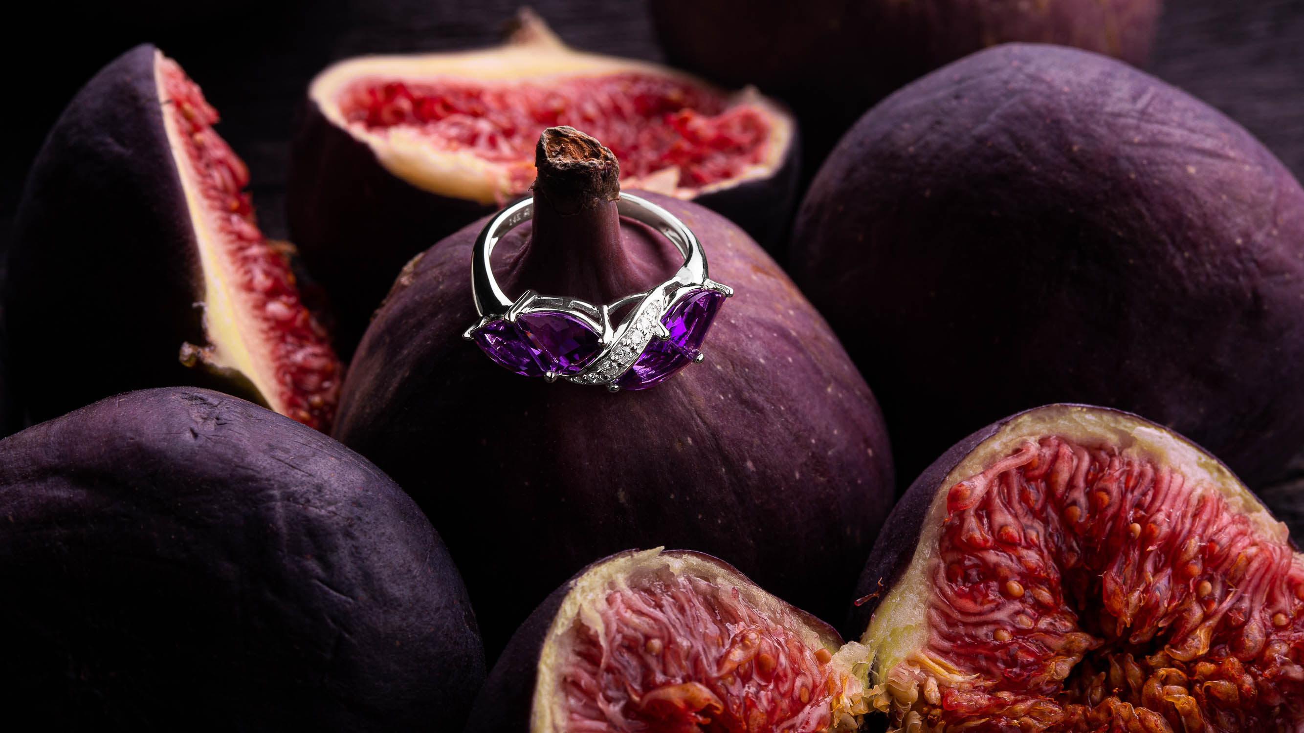 Jewelry photography of purple amethyst ring